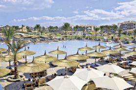 Bazén u hotelu Dana Beach Resort
