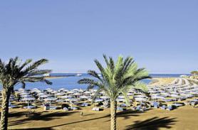 Pláž u hotelu Dana Beach Resort