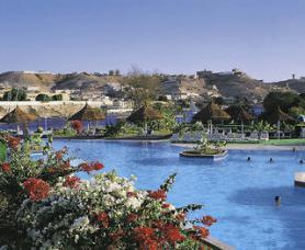 Egyptský hotel Pyramisa Isis Island s bazénem